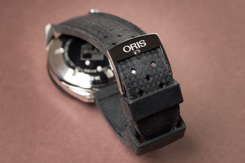 review oris divers sixty five a new diver s watch with vintage