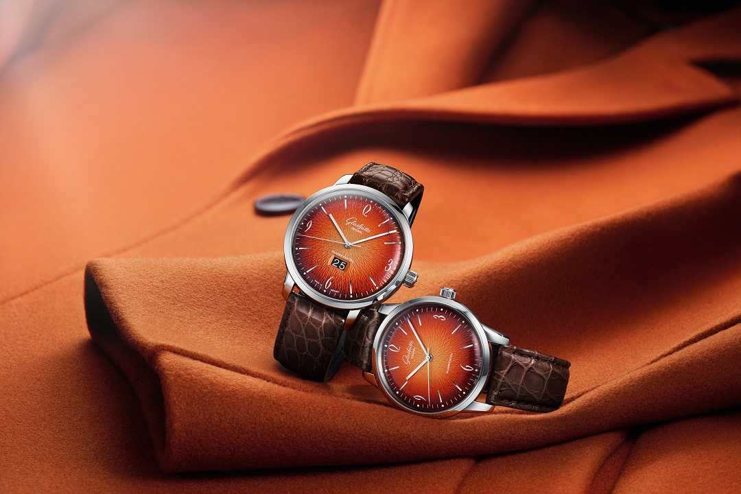 The Glashütte Original green versions proved a hit with watch and design enthusiasts all over the world. Now the German brand delivers a fiery sequel for its annual edition 2019, the Glashütte Original Sixties and Sixties Panorama Date in multi-faceted orange.