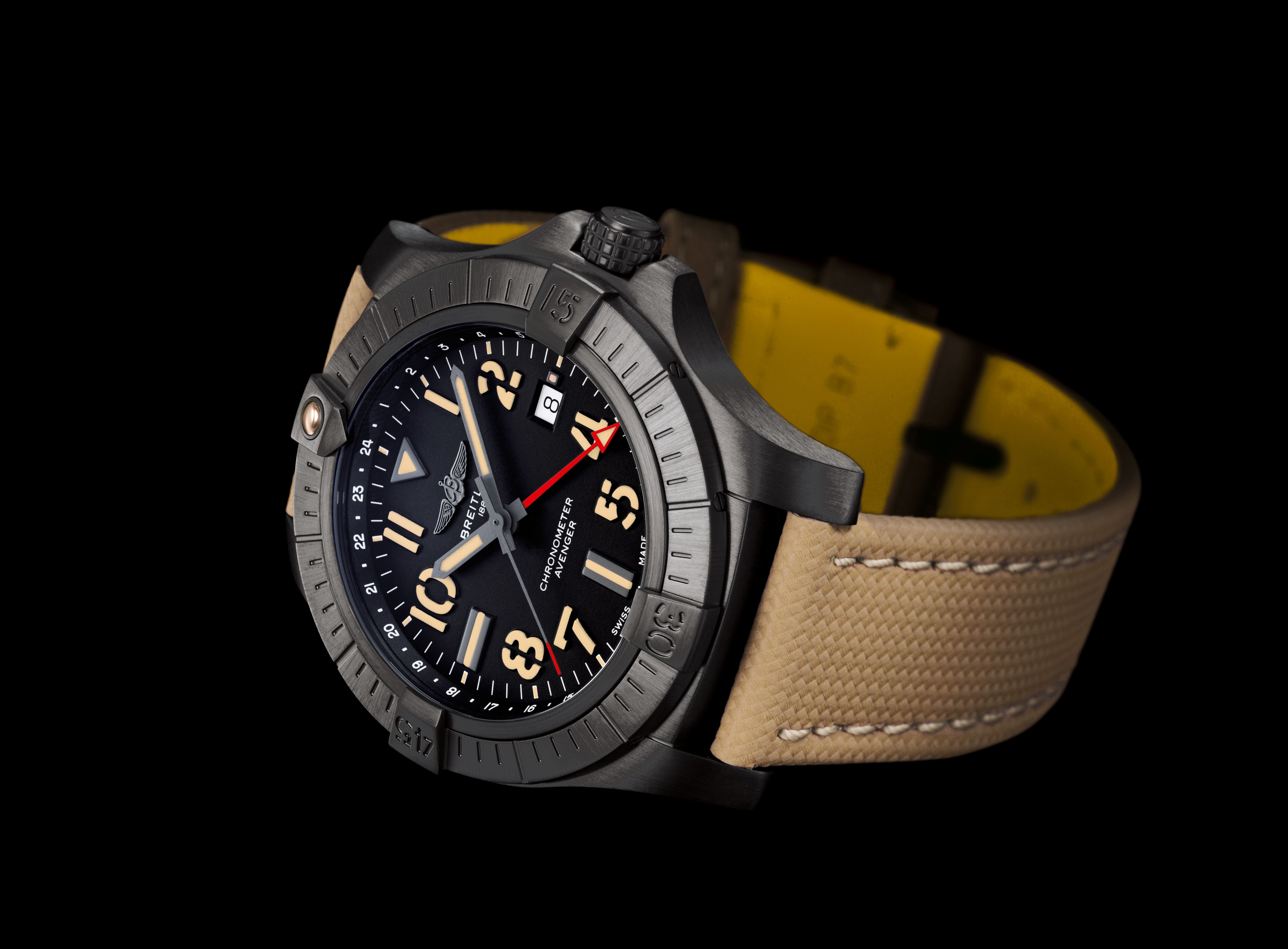 Avenger-Automatic-GMT45-ambiance_Final.tif