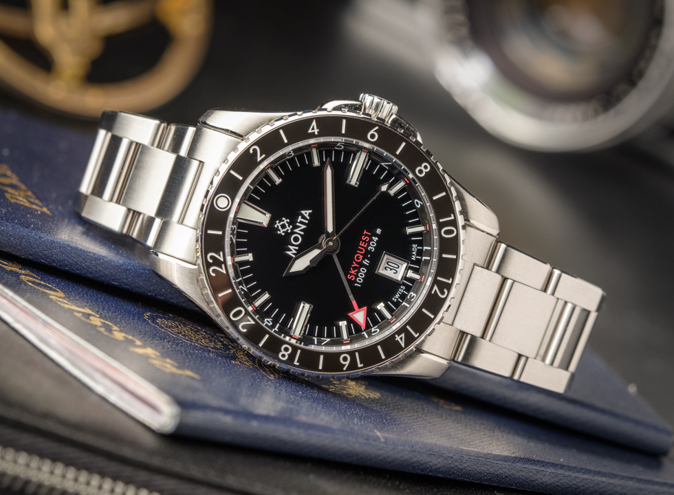 The Skyquest is a new GMT watch from the American company Monta. Combining the look of the new Oceanking diver watch with the function of a GMT, the Monta Skyquest is born.