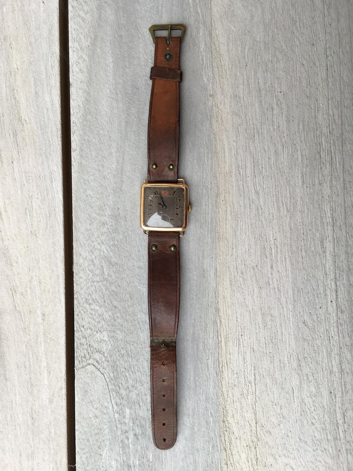 Name:  1_horloge.JPG Views: 70 Size:  1.17 MB