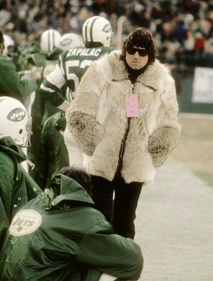 Name:  2-joe-namath-wearing-fur-coat-on-sidelines.jpg Views: 23 Size:  68.9 KB