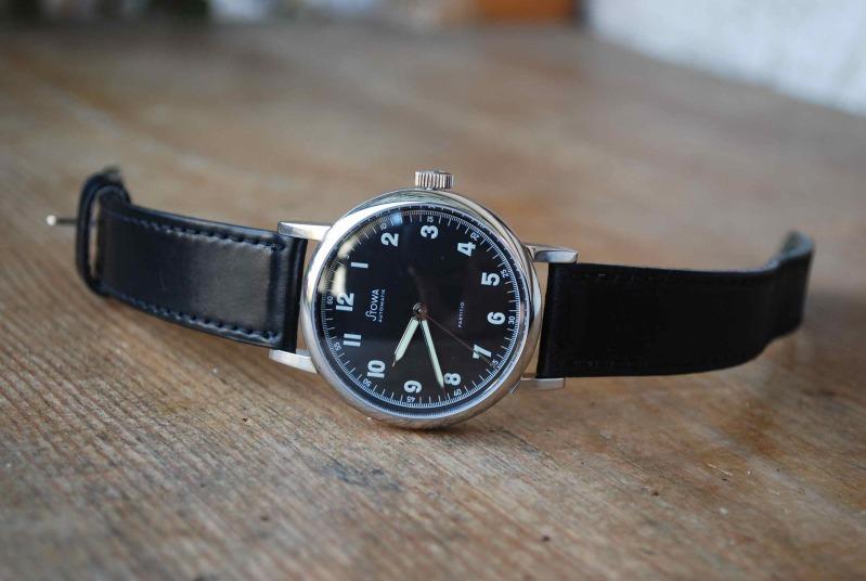 Name:  221765d1300118086-schlichte-schwarze-dressswatch-gesucht-wer-hat-einen-guten-tip-fuer-mich-dsc_5.jpg Views: 590 Size:  86.9 KB
