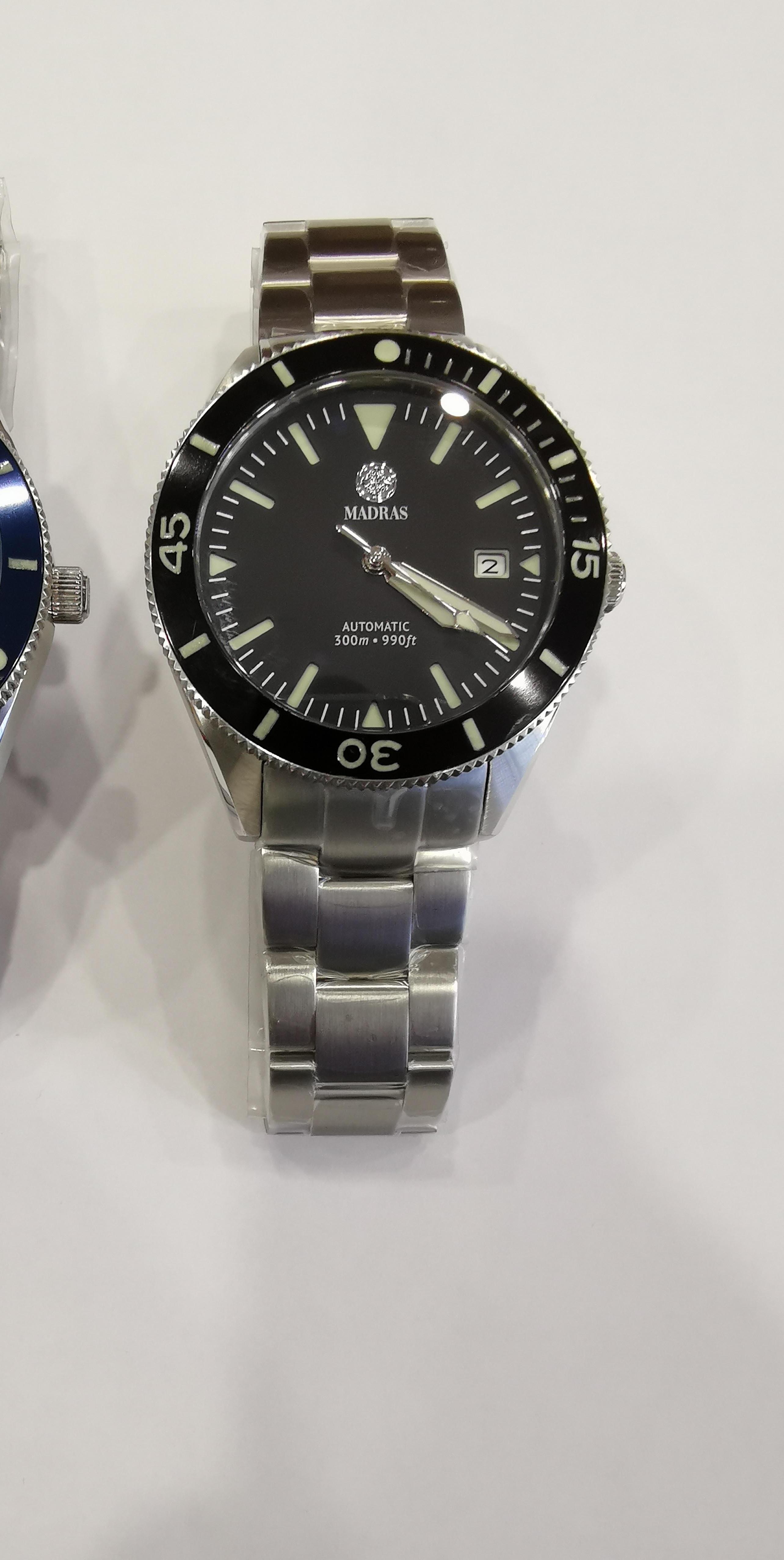 Name:  300M waterproof watch-1.jpg Views: 50 Size:  1.15 MB
