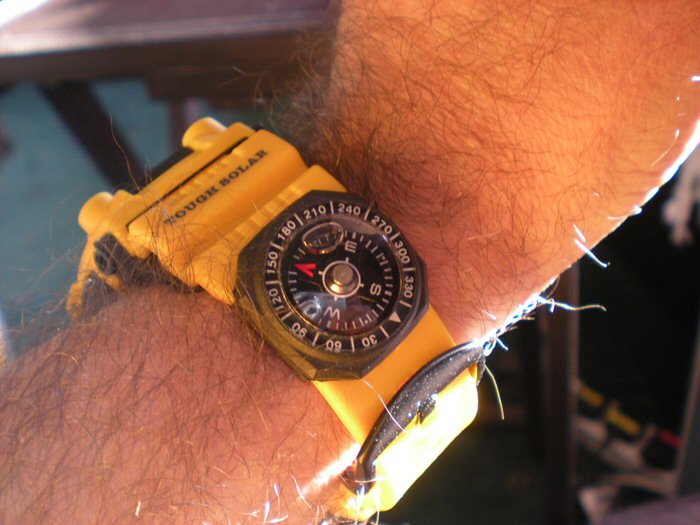 Name:  643422d1330937625-can-you-get-decent-quality-watchband-compass-yellow-compass.jpg