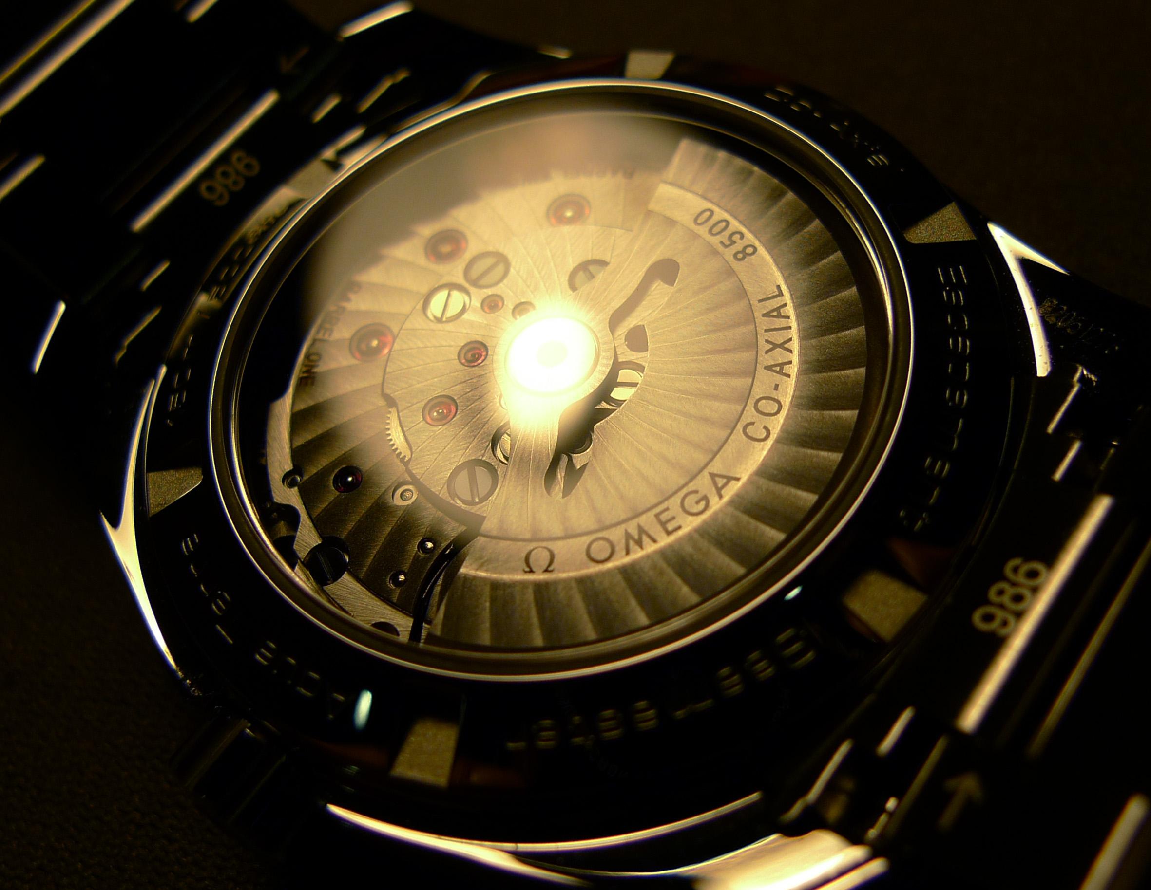 Name:  685896d1334929834-atomic-clock-at8500-back-.jpg Views: 3575 Size:  716.7 KB