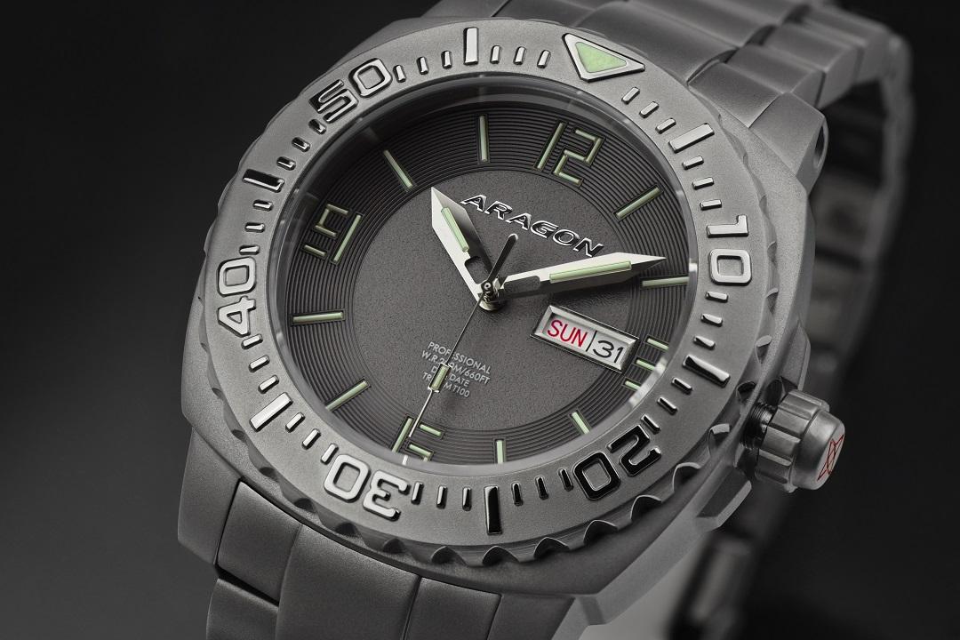 KICKSTARTER: ARAGON Parma T-100 Self-Illuminating Men's Dive Watch