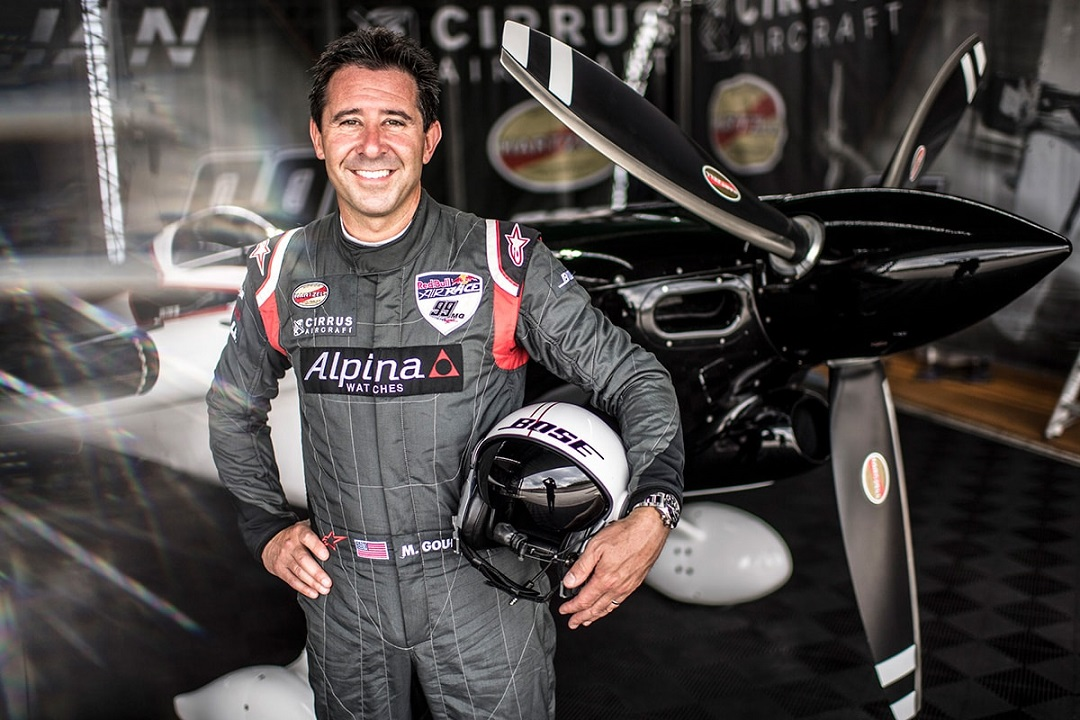 Alpina Gives You Wings: Contract Renewed With Flying Ace Michael Goulian