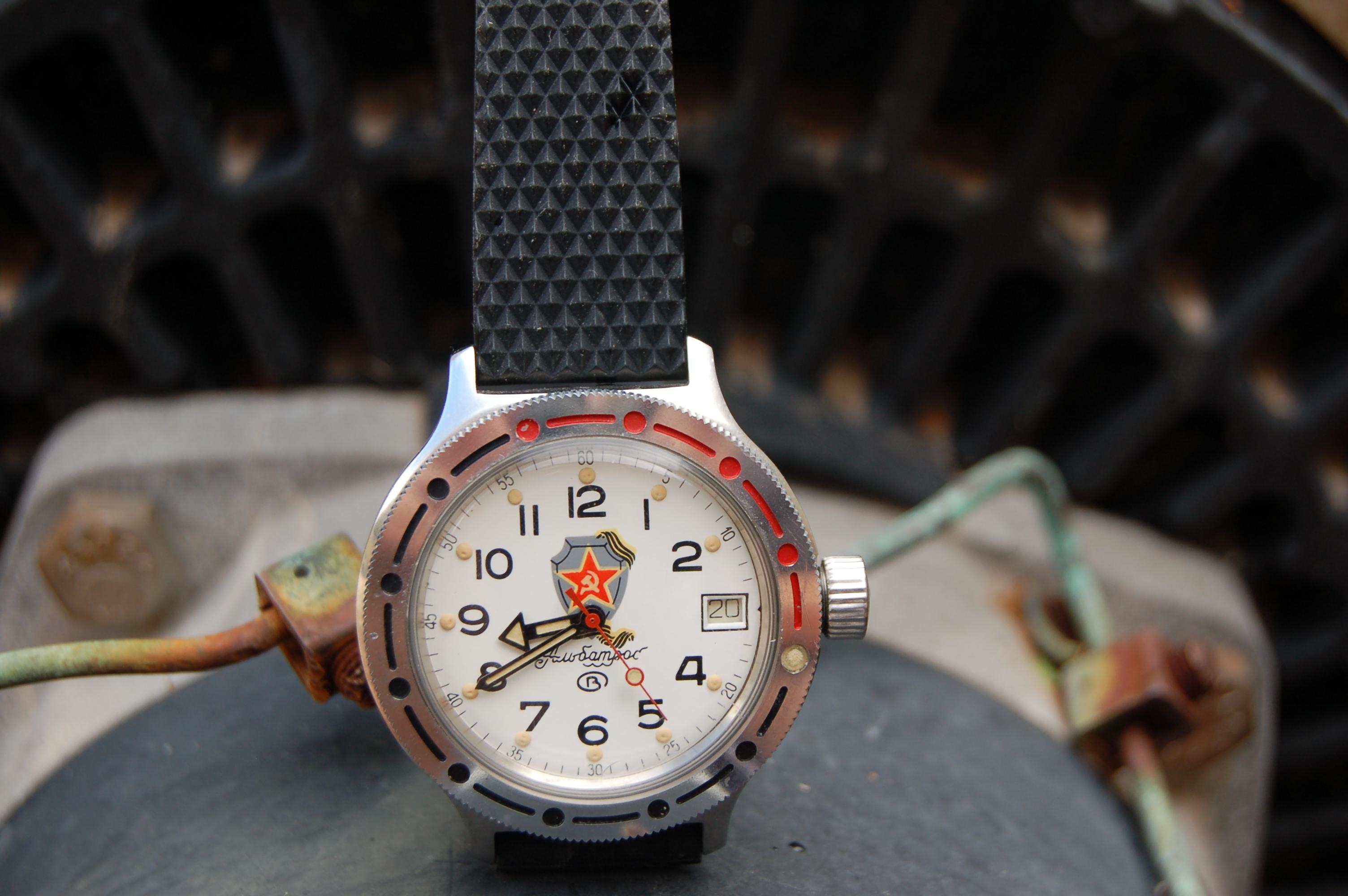 Un personaje y su reloj 655948d1332101768-where-service-repair-vostok-phoenix-az-albatross