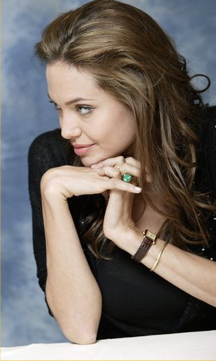 Name:  Angelina_Jolie_cartier-tank-watch.jpg Views: 3041 Size:  33.1 KB
