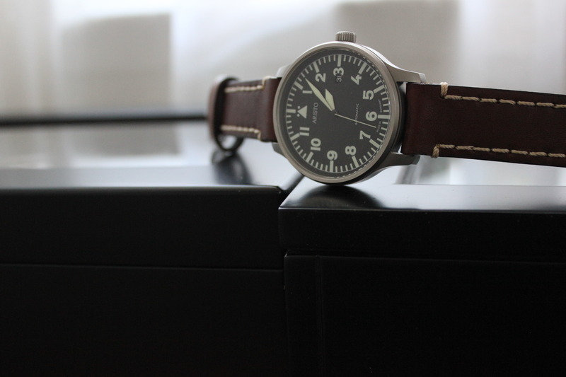 Name:  Aristo Pilot 3H114 on brown Panatime strap with white stitch3.jpg