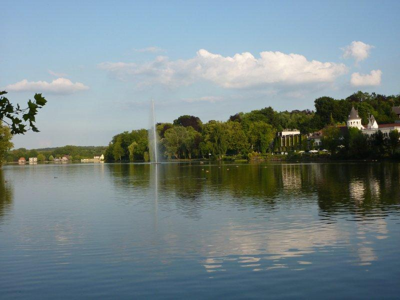 Name:  Belgium_Genval_Lake_15c417d96d1341669116de39b4a07a9c.JPG Views: 1113 Size:  57.7 KB