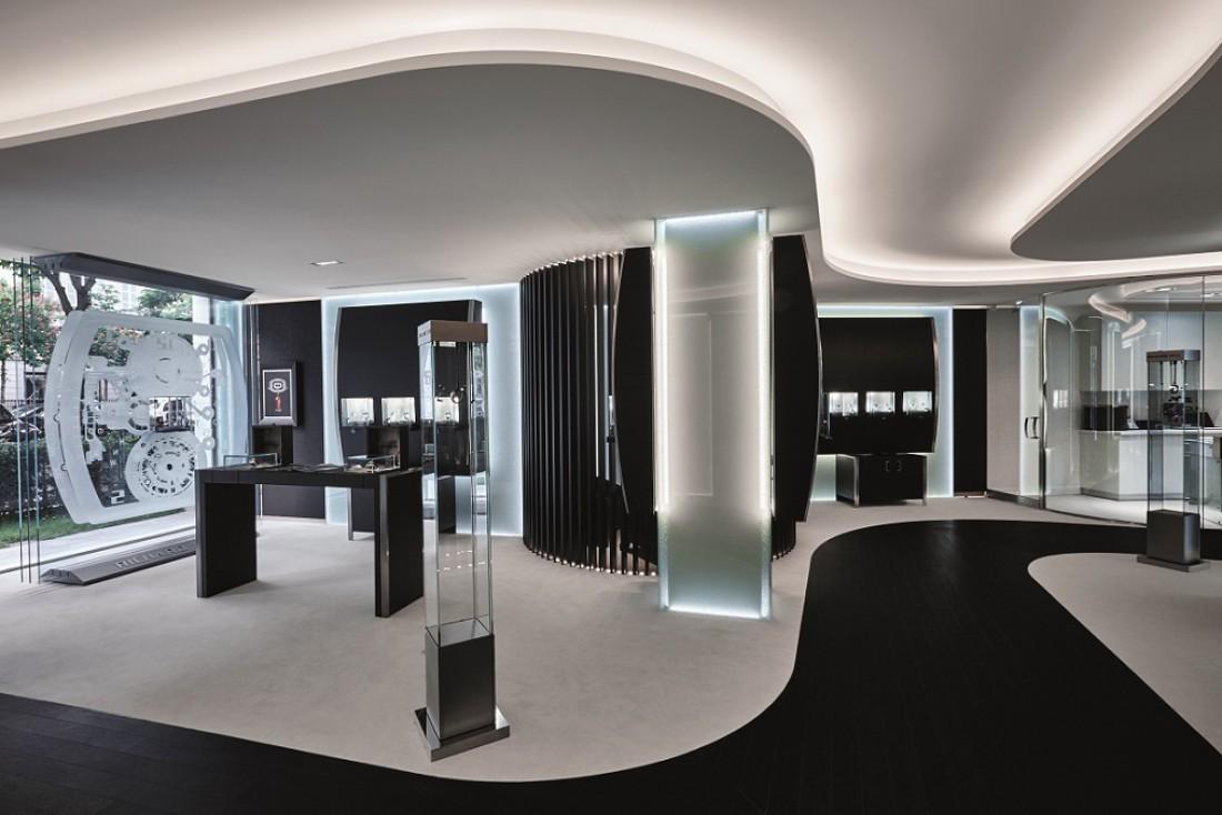 Name:  Boutique Paris (4) c Jerome Bryon.jpg Views: 12 Size:  129.7 KB