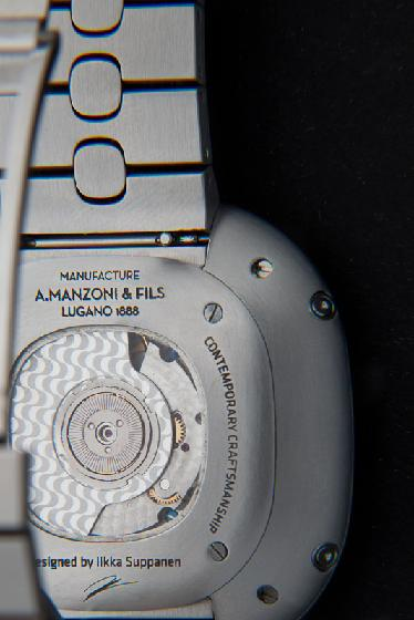 Name:  Caseback revealing Cotes de Copacabana.jpg Views: 801 Size:  28.9 KB