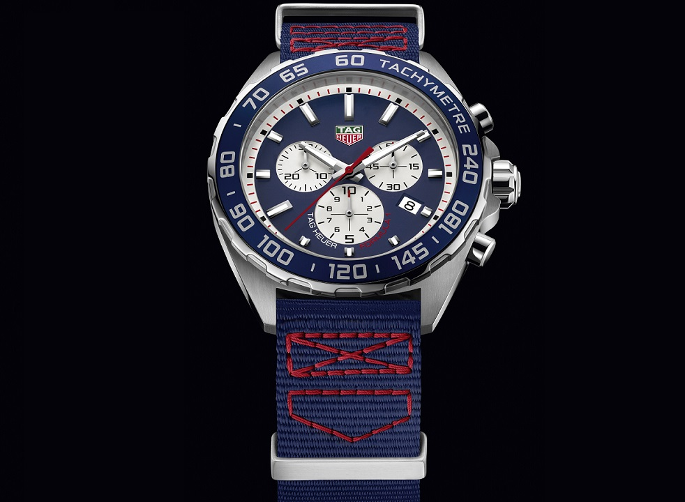 CAZ1018.FC8213 THF1 SPECIAL EDITION RED BULL TEXTILE STRAP - PACKSHOT 2016