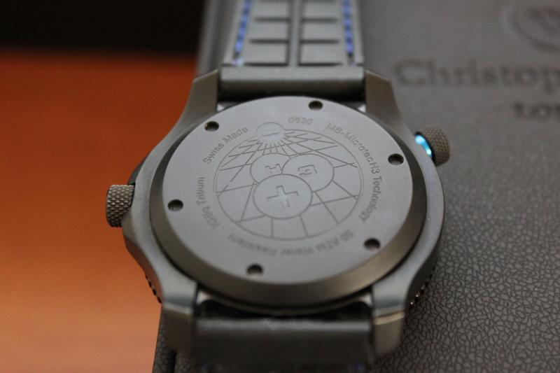 Name:  Christopher Ward C600 Tri-Tech Diver Elite on blue stitch rubber Panatime strap10.jpg Views: 35 Size:  32.9 KB