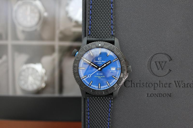 Name:  Christopher Ward C600 Tri-Tech Diver Elite on blue stitch rubber Panatime strap2.jpg Views: 39 Size:  50.3 KB
