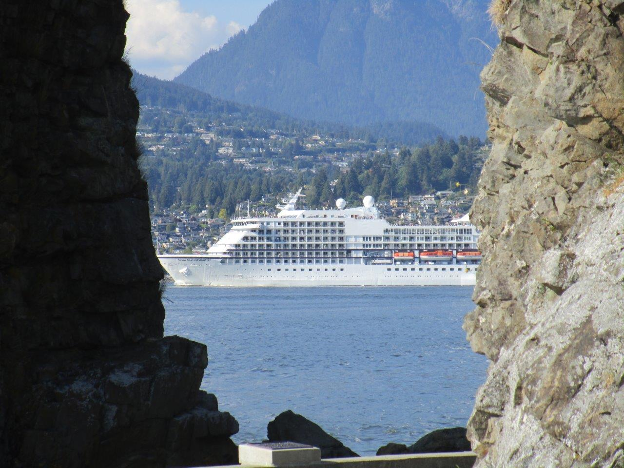 Name:  CRUISE SHIPS (3) WUS.jpg Views: 186 Size:  184.7 KB