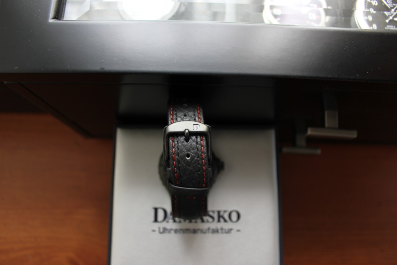 Name:  Damasko DA44 on OEM leather strap14.jpg