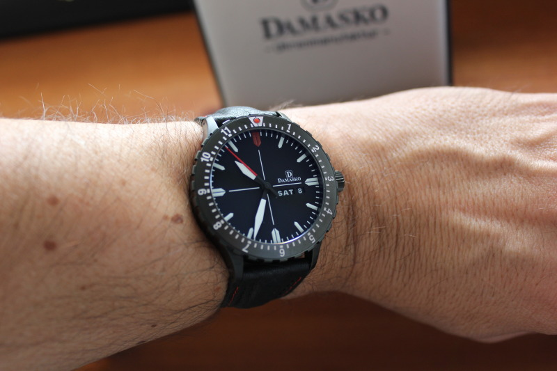 Name:  Damasko DA44 on OEM leather strap6.jpg