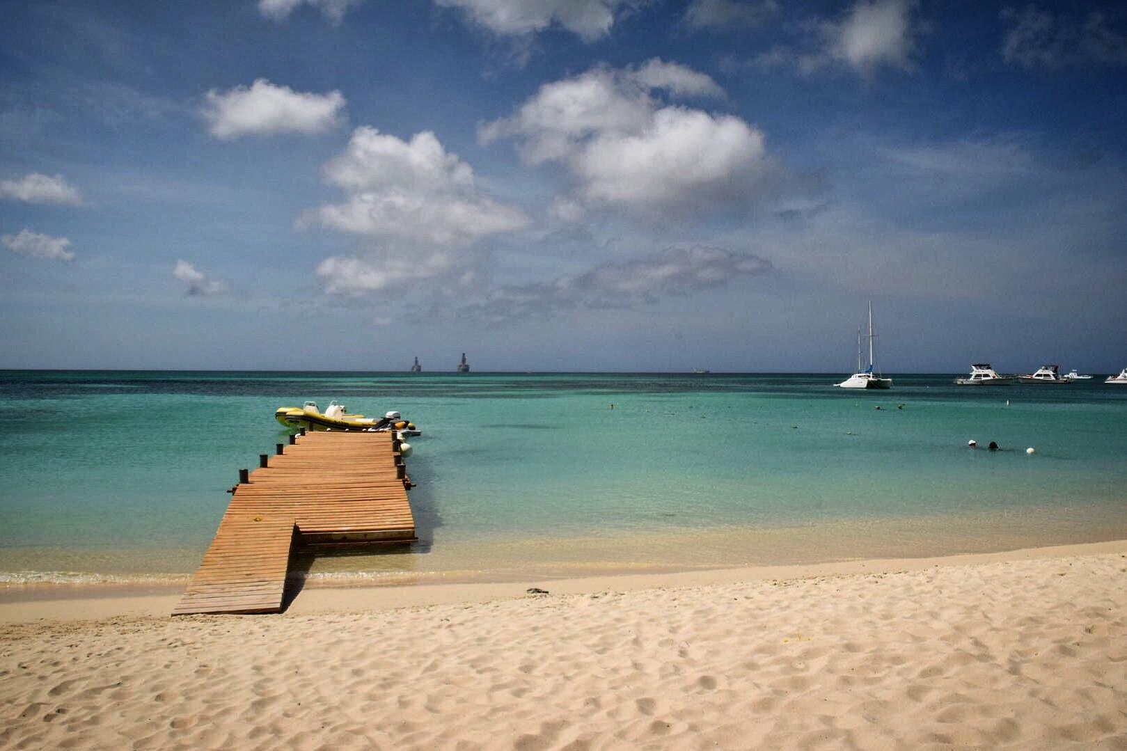 Name:  dock landscape.jpg Views: 61 Size:  238.5 KB