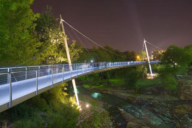 Name:  downtowngreenville-night.jpg Views: 3847 Size:  96.6 KB