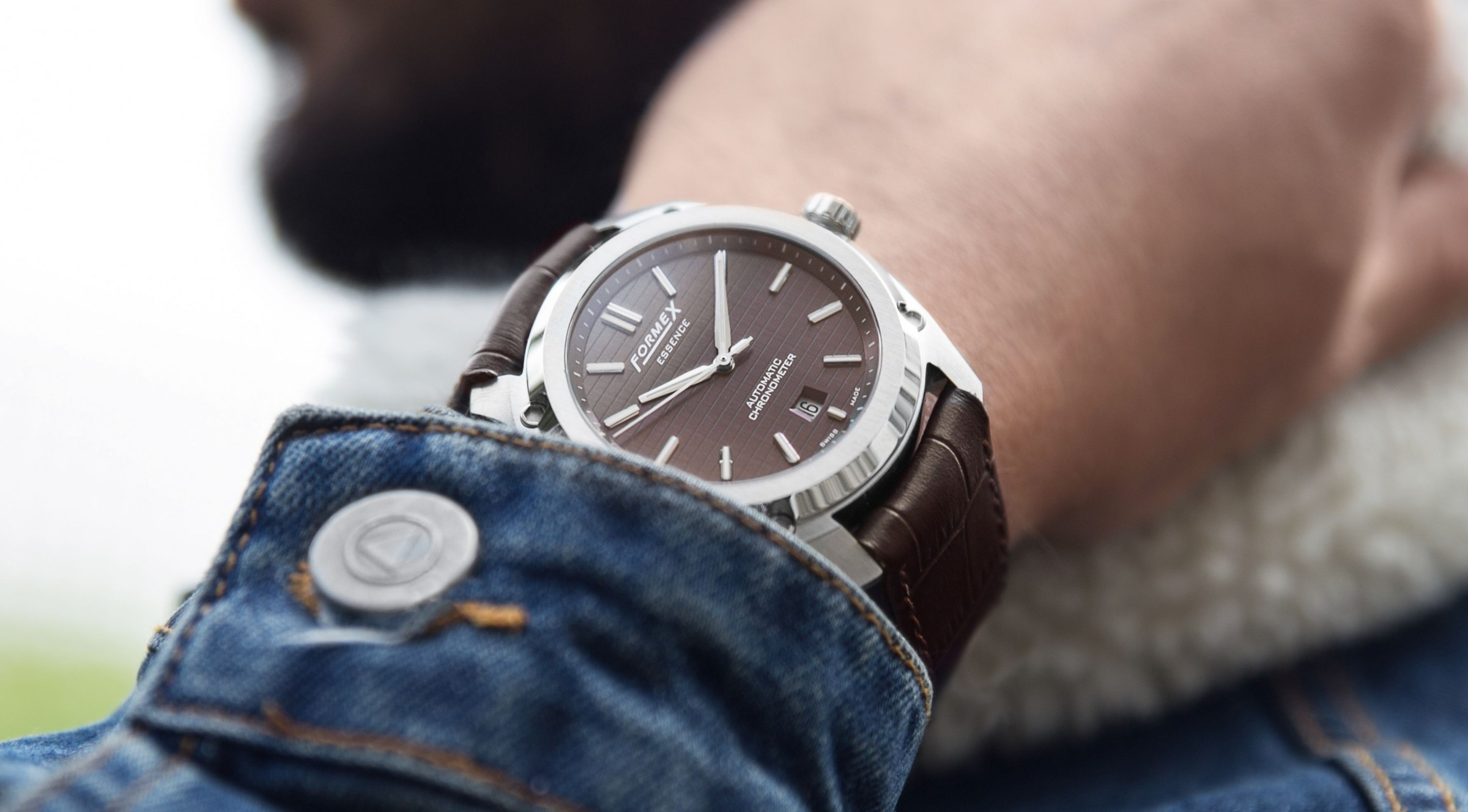 Name:  Formex-Essence-Chronometer-Swiss-Made-Braun-Gehäusefederung-1.jpg Views: 368 Size:  345.4 KB