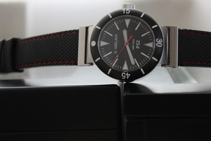 Name:  G Gerlach P52 Dzik on black rubber diamond red stitch Panatime strap5.jpg Views: 37 Size:  69.7 KB