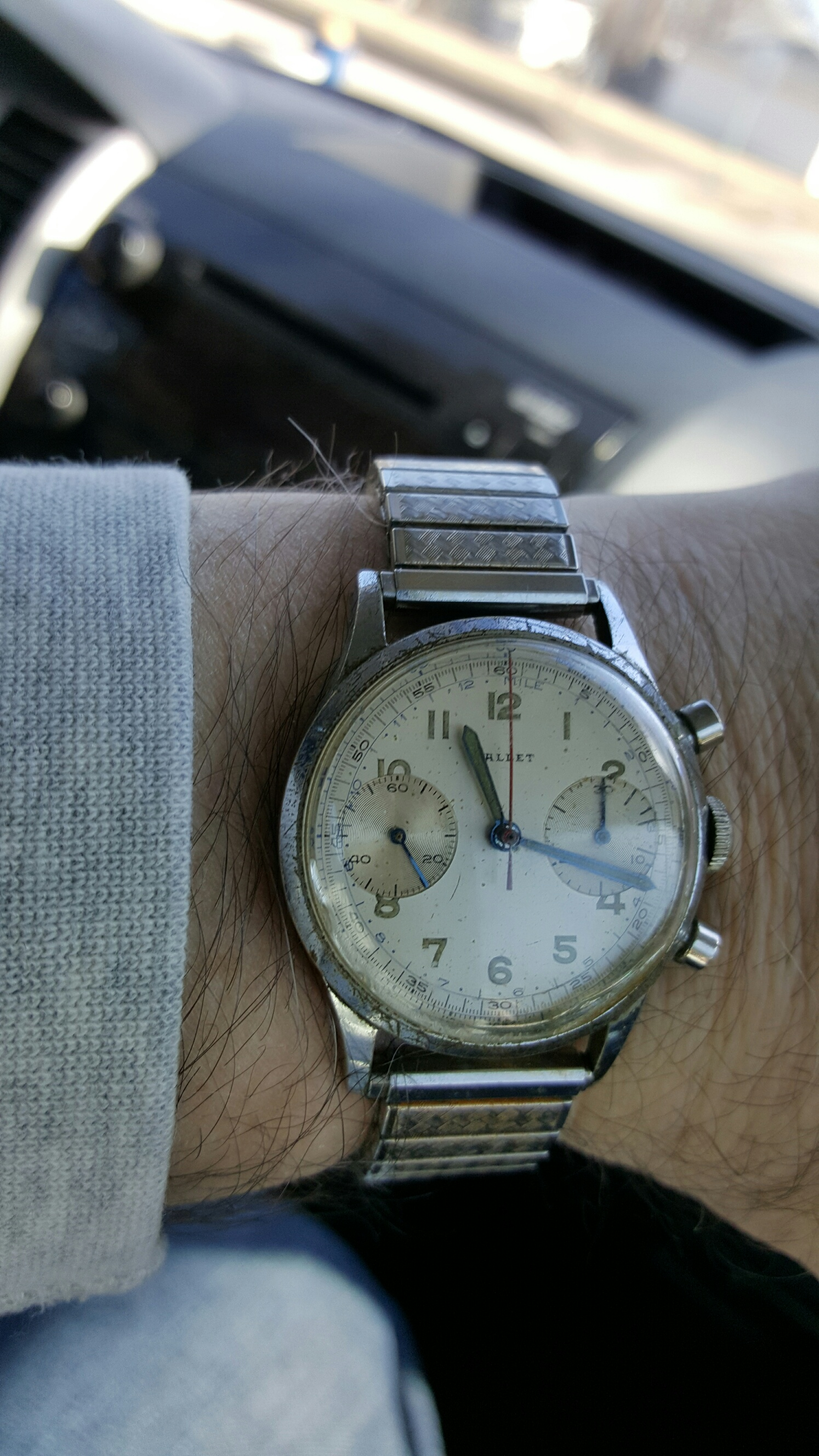 Name:  Gallet on wrist low res.jpg