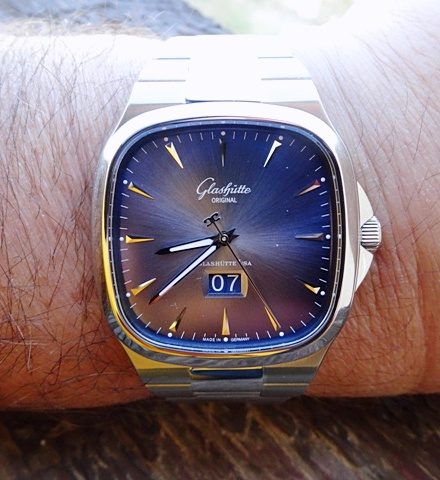 Name:  Glashütte_Original_Senator_Seventies_Panorama_Date_39-47-12-12-14_Orsoni.jpg