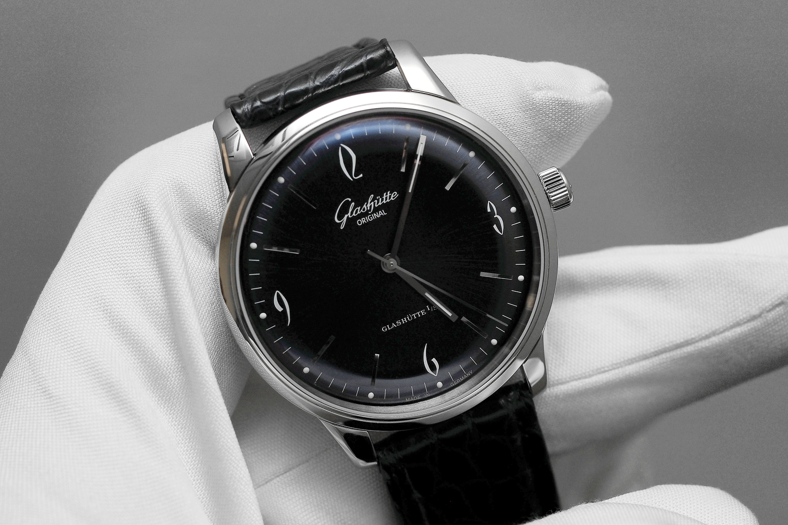 Name:  Glashutte-Senator-Sixties.jpg