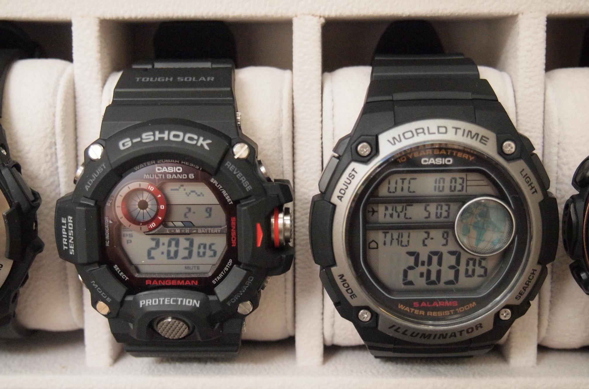 Name:  GW-9400-1 vs AE-3000W-1AV (P2090264).JPG Views: 294 Size:  1.20 MB