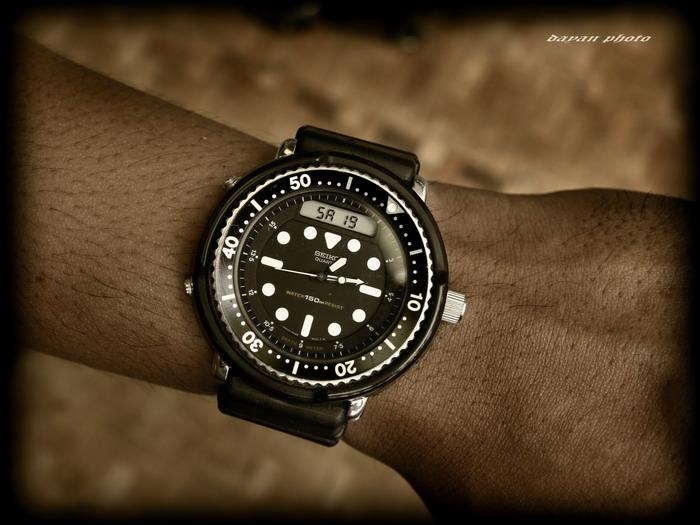 Name:  H588+arnie+on+wrist_resize.jpg Views: 1869 Size:  103.6 KB
