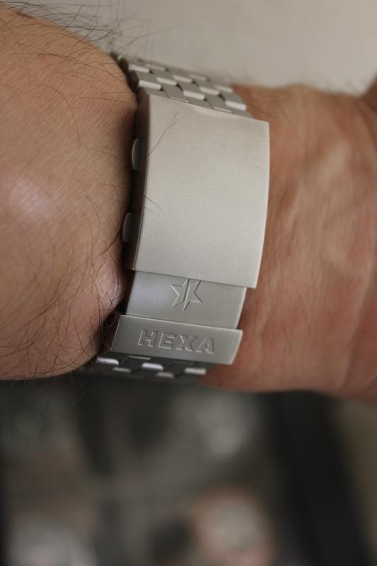 Name:  Hexa K500 on OEM bracelet10.jpg Views: 23 Size:  26.5 KB