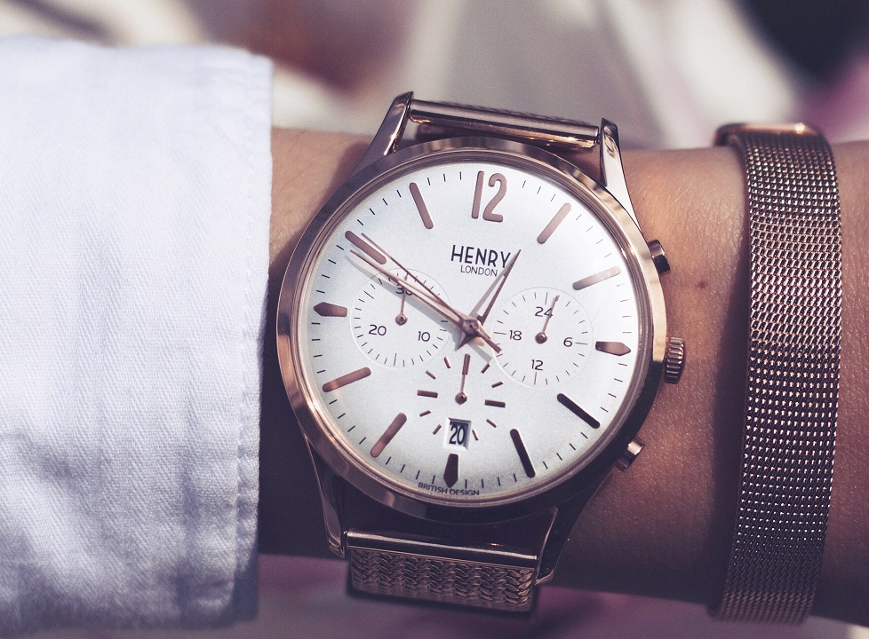 3792854d83e Three sub-dials feature on the face of the watch. The stopwatch sits at 6  o clock