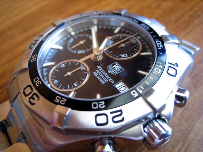 Chrono avec 7751 pour moins de 2000€ 184718d1241980682-tag-heuer-aquaracer-chronograph-automatic-black-dial-caf2110-img_6800