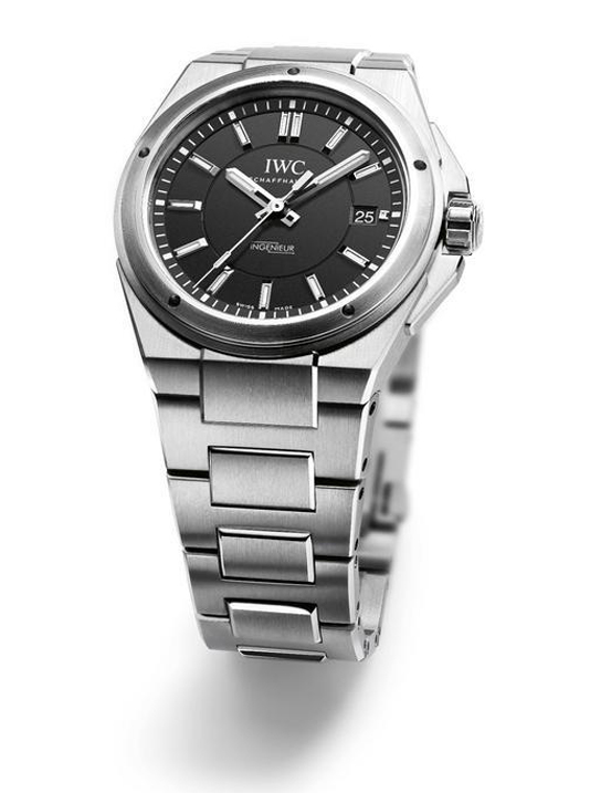 Name:  IWC Ingenieur Automatic persp IW323902.jpg