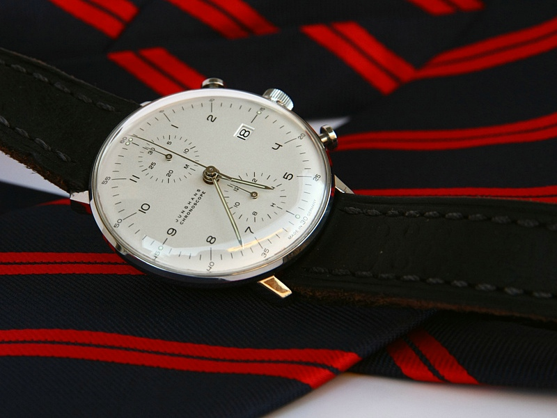 Name:  Junghans_Max_Bill_Chronoscope_white_mitadoc_2.jpg