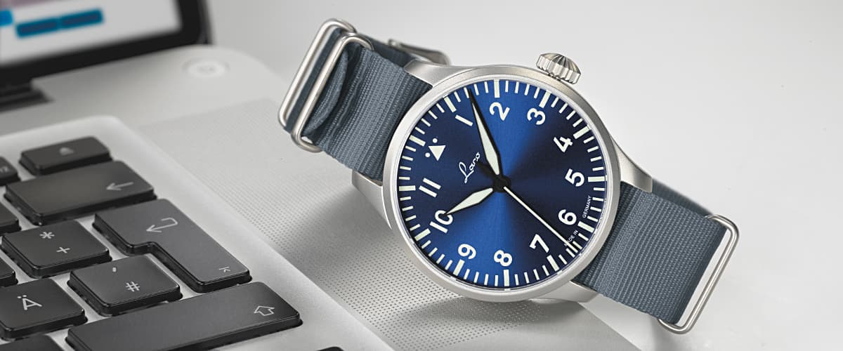 Name:  laco-fliegeruhr-typ-a-augsburg-blaue-stunde-39-NB-862102-mood-slide.jpg Views: 214 Size:  56.5 KB