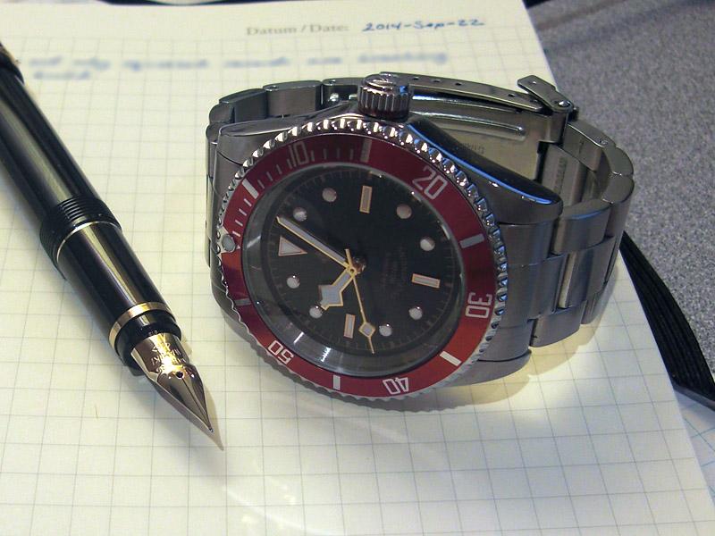 1642157d1411396030-one-watch-week-club-t