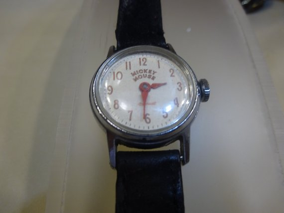 Name:  Mickey Mouse watch.jpg Views: 77 Size:  22.1 KB