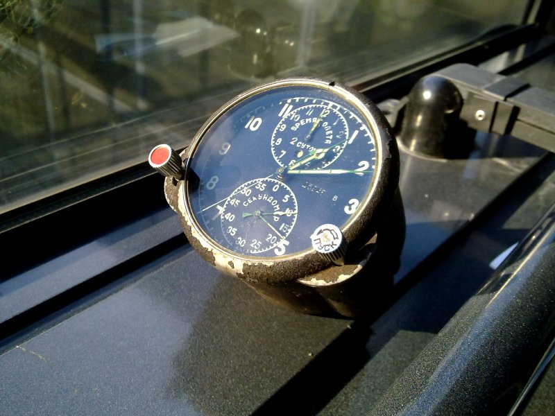Les secrets de Mongokhto 931661d1357891172-russian-aircraft-clock-panel-1986-mig-stand