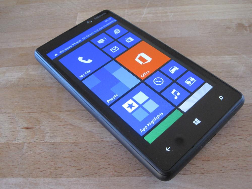 Name:  Nokia-Lumia-820-vs-Sony-Xperia-Z1-Compact.jpg Views: 120 Size:  197.3 KB