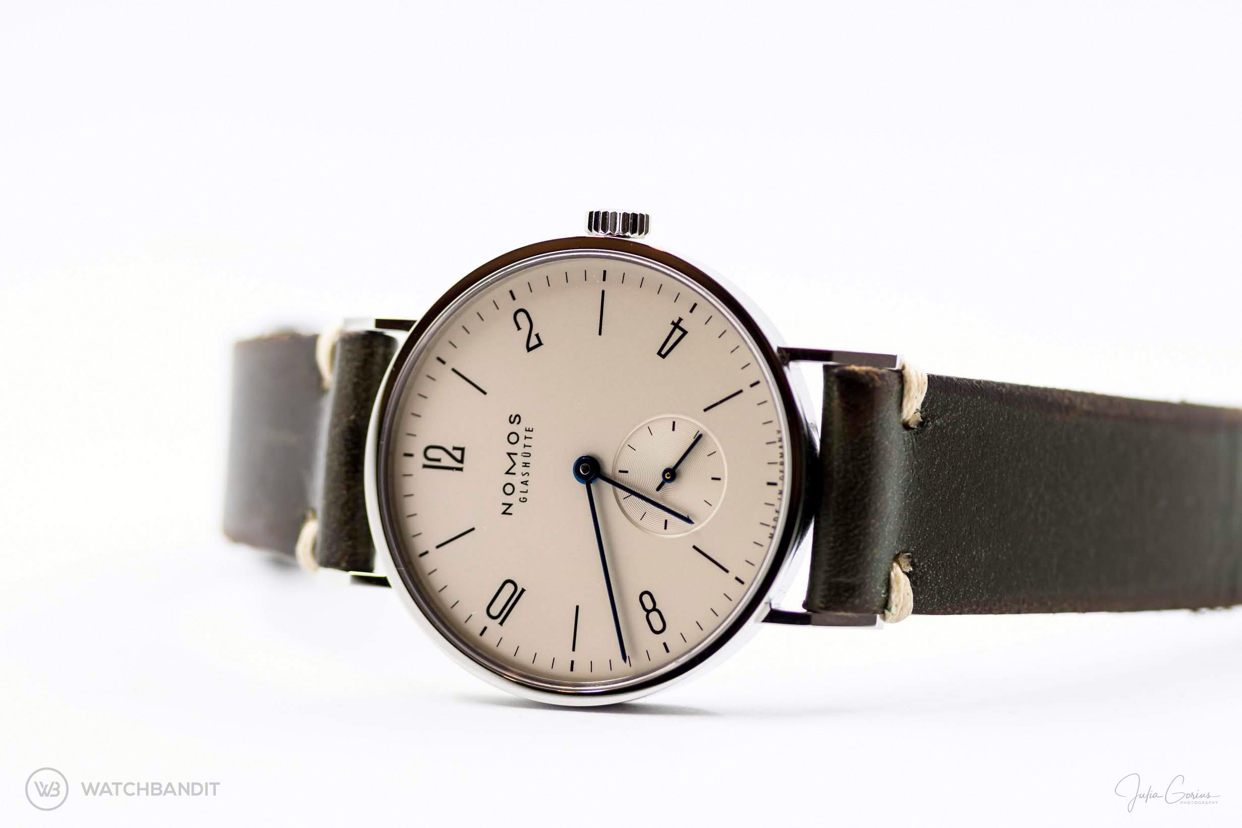 Name:  NOMOS Tangente vintage green leather strap watchbandit .jpg Views: 11 Size:  325.1 KB