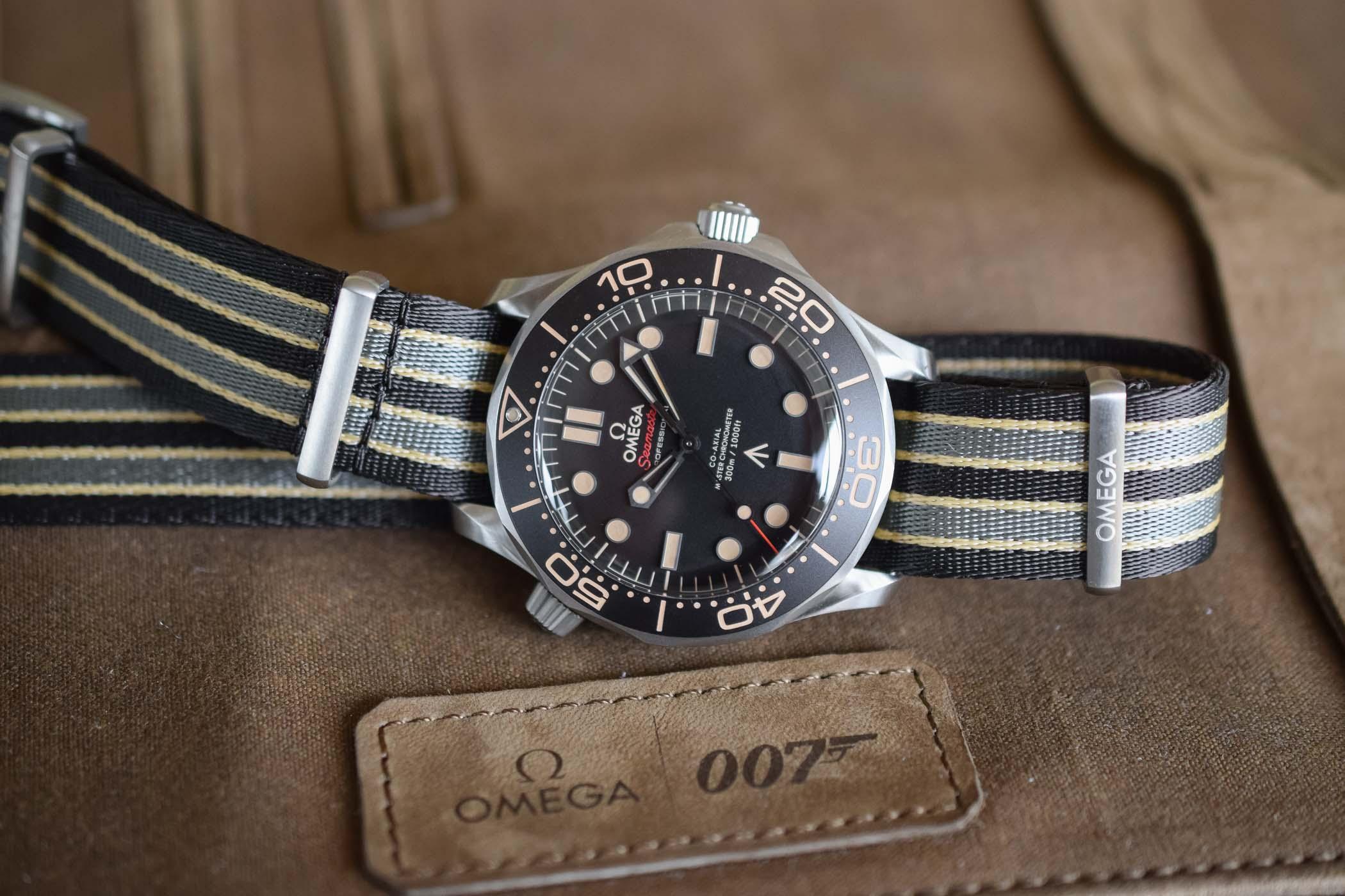 Name:  Omega-Seamaster-Diver-300M-007-Edition-210.90.42.20.01.001-8.jpg Views: 94 Size:  250.9 KB