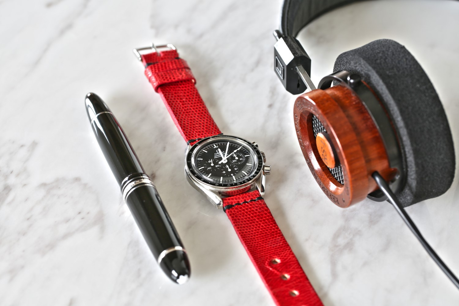 Name:  Omega Speedmaster Pro Moonwatch Red lizard Watch Strap (Custom).jpg