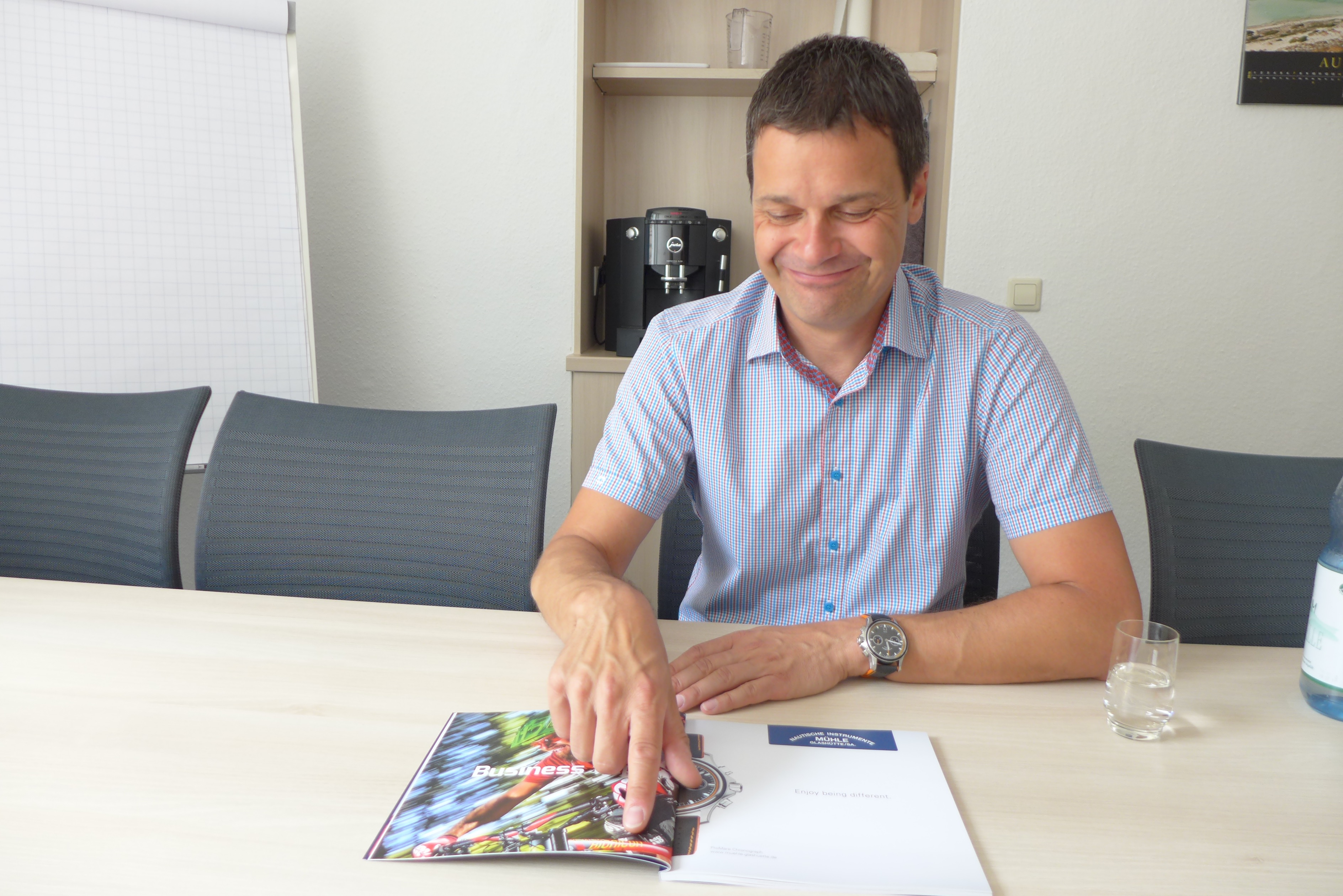 Thilo Mühle, Managing Director,  showing the new campaign for ProMare series