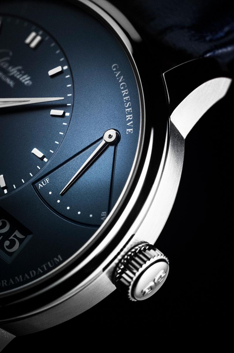 Name:  PanoReserve_Stainless_Steel_blue_dial__PR_3_Original_13277.jpg Views: 1260 Size:  100.2 KB