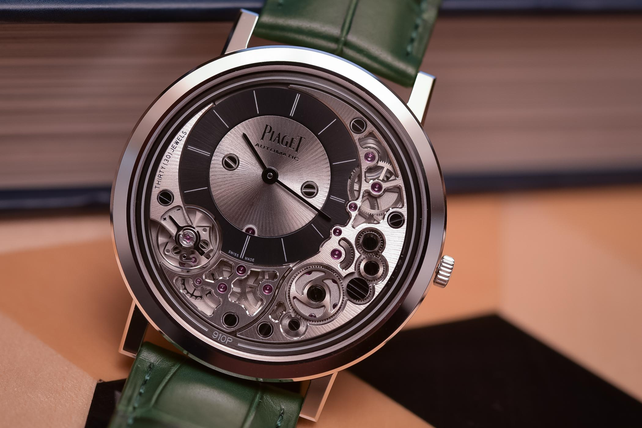 Name:  Piaget-Altiplano-Ultimate-Automatic-910P-Thinnest-Automatic-Watch-5.jpg