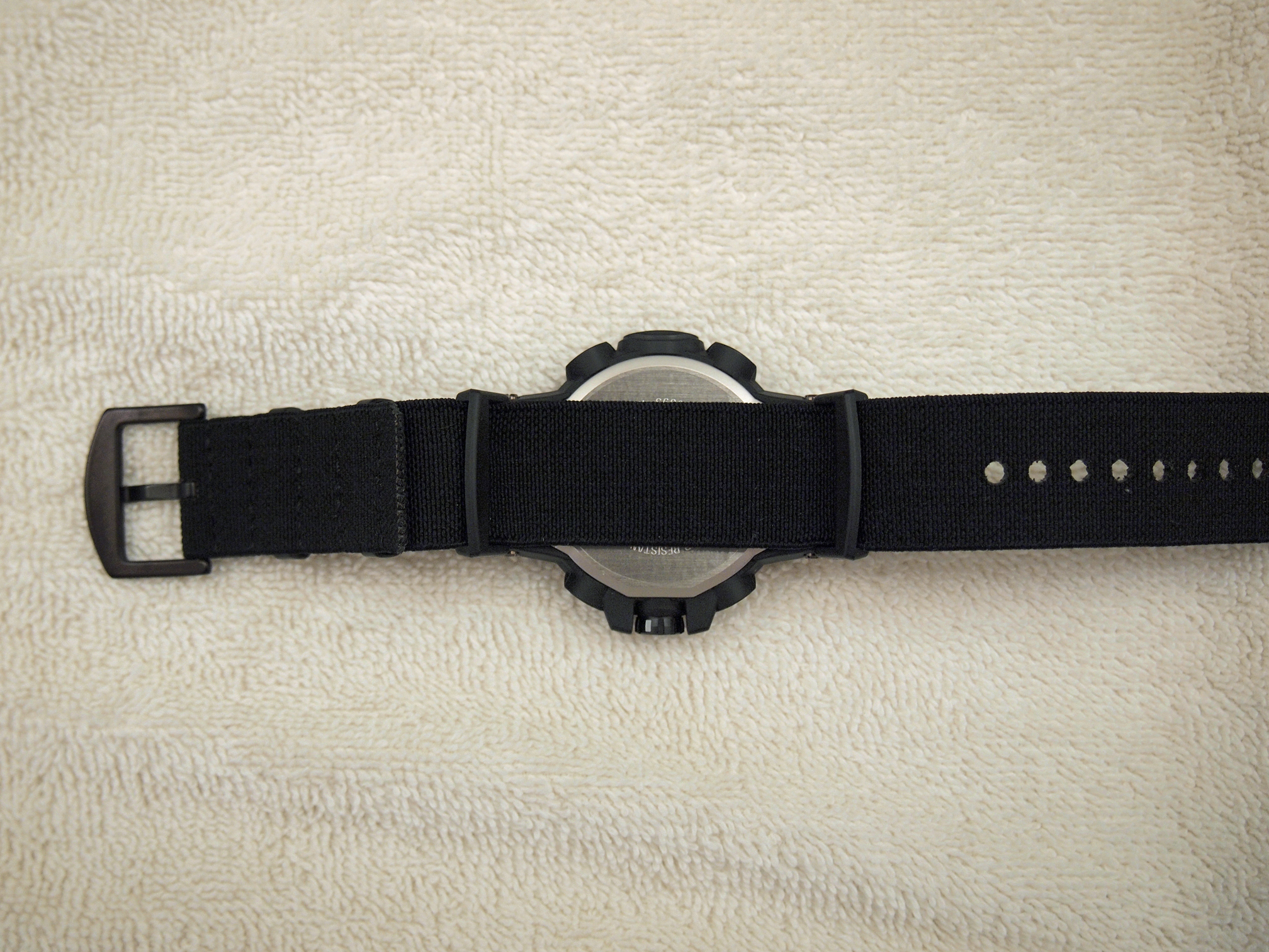 Name:  PRW-S6000Y-1, PRW-3000G-1 adapters, Vario 24mm elastic NATO (P2111145).JPG Views: 16 Size:  2.17 MB